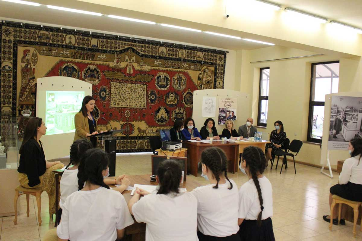The participants of the quiz game touched upon the life and work of Arno Babajanyan